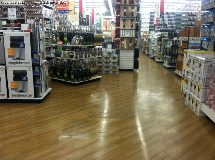 Cleaning commercial wood flooring - Cleaning Commercial Wood Flooring Image